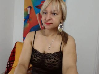 NadinneBlonde live girl porn