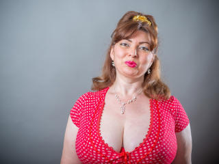 Picture of the sexy profile of BeatriceHot, for a very hot webcam live show !