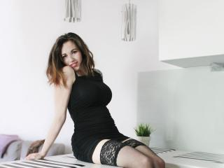 Photo de profil sexy du modèle EliseFlirt, pour un live show webcam très hot !