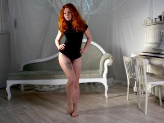 FionaPlayful girl pussy cam girl