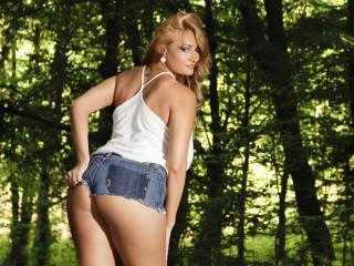 AnnieAddams - 在XloveCam?欣赏性爱视频和热辣性感表演