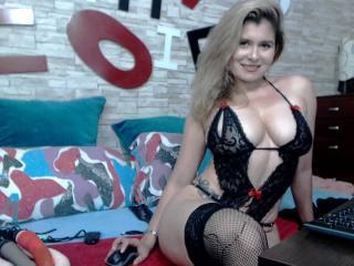 CharlotteXU - 在XloveCam?欣賞性愛視頻和熱辣性感表演