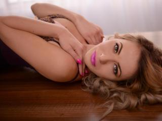 AyanaVivienne - 在XloveCam?欣赏性爱视频和热辣性感表演