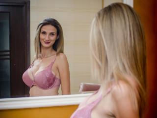 MilaMillan - 在XloveCam?欣賞性愛視頻和熱辣性感表演