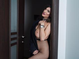 LaraVane - 在XloveCam?欣賞性愛視頻和熱辣性感表演