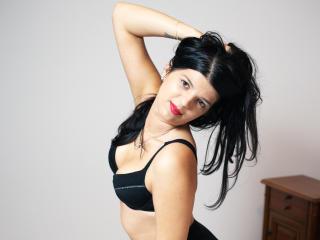 AleenaBrunette wet xxx video chat