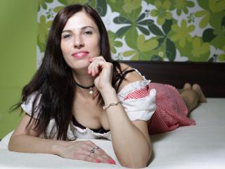AliceHotForYou pleasure chat