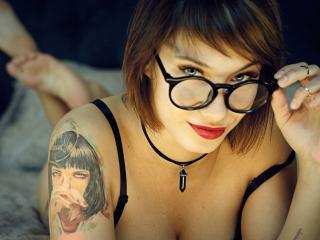 AshleeQueen webcam model