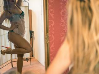 SophieBijou live webcam
