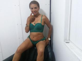 VicttoriaQueen pussy eating webcam porn