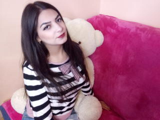 YasminNew naked video cam room