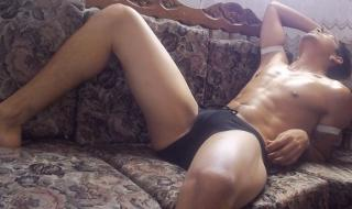 Picture of the sexy profile of AnthonyeHot, for a very hot webcam live show !