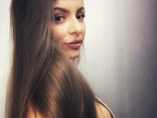 Velmi sexy fotografie sexy profilu modelky CapricieuseFemmeX pro live show s webovou kamerou!