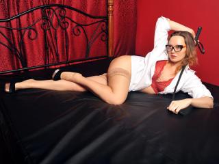 Hình ảnh đại diện sexy của người mẫu ChloeSavage để phục vụ một show webcam trực tuyến vô cùng nóng bỏng!