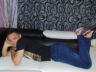 Foto de perfil sexy del modelo DarrellGray, ¡disfruta de un show webcam muy caliente!