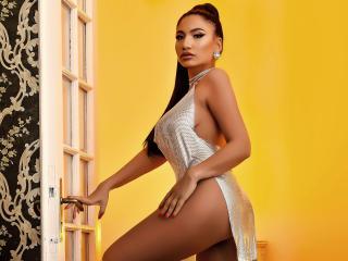 Hình ảnh đại diện sexy của người mẫu DeniseTaylor để phục vụ một show webcam trực tuyến vô cùng nóng bỏng!