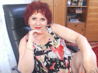 Photo de profil sexy du modèle DivineLaura, pour un live show webcam très hot !