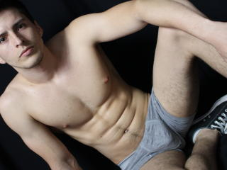 Picture of the sexy profile of DylanW, for a very hot webcam live show !