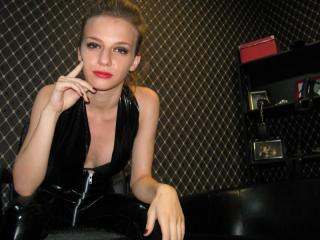 Picture of the sexy profile of MistressZelda, for a very hot webcam live show !