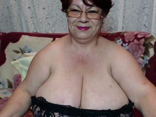 Bild på den sexiga profilen av OneSpicyLady för en väldigt het liveshow i webbkameran!