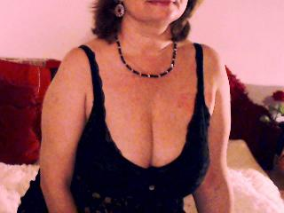 Photo de profil sexy du modèle PrettyWoman69, pour un live show webcam très hot !