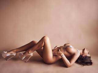 Foto de perfil sexy de la modelo SharonMirage, ¡disfruta de un show webcam muy caliente!