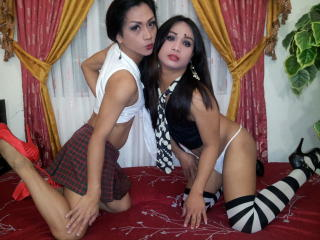 Photo de profil sexy du modèle TwoHUNGRYSEX, pour un live show webcam très hot !