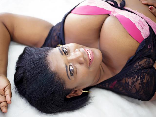 Velmi sexy fotografie sexy profilu modelky AddictPussy pro live show s webovou kamerou!