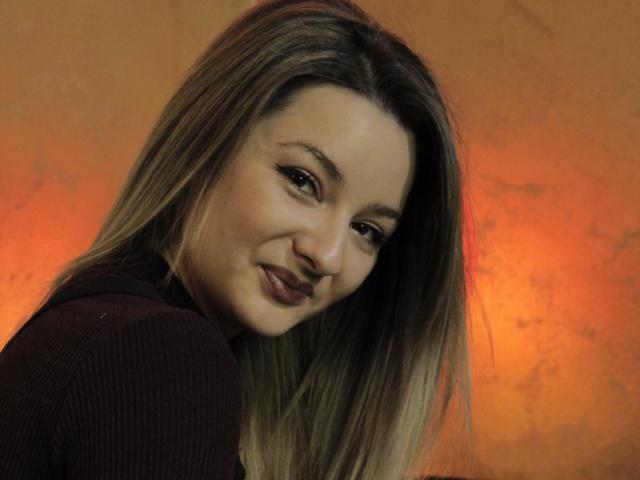 Hình ảnh đại diện sexy của người mẫu Callioppe để phục vụ một show webcam trực tuyến vô cùng nóng bỏng!