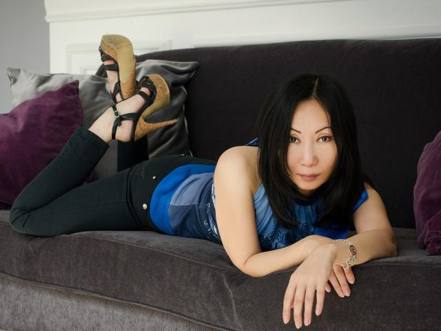 Picture of the sexy profile of JapanLady, for a very hot webcam live show !