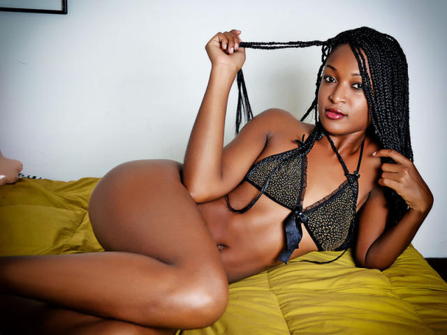 Picture of the sexy profile of KittyEbony, for a very hot webcam live show !