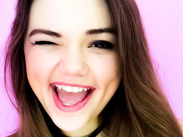 Hình ảnh đại diện sexy của người mẫu LorelaiR để phục vụ một show webcam trực tuyến vô cùng nóng bỏng!