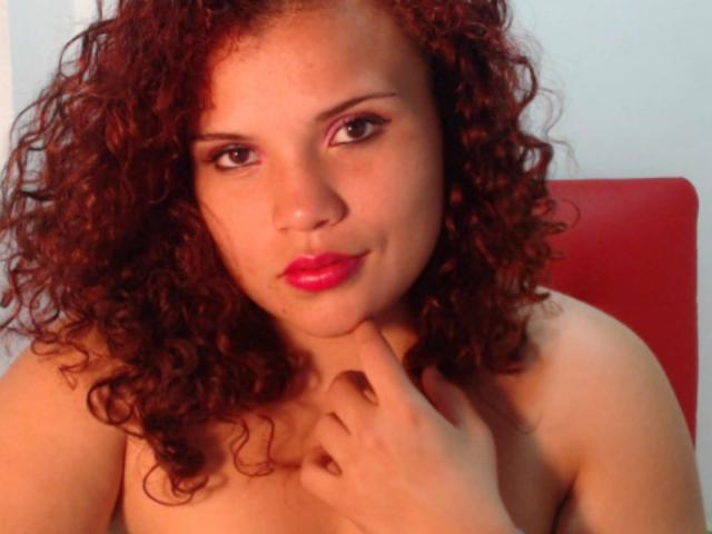 Picture of the sexy profile of MerlinaCoquine, for a very hot webcam live show !