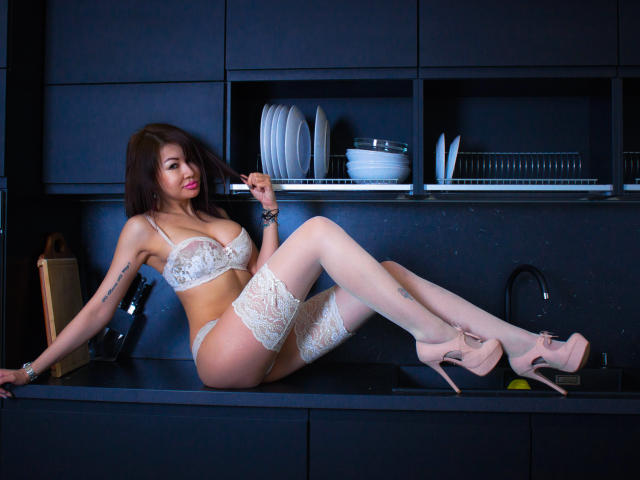 Photo de profil sexy du modèle MissYummy, pour un live show webcam très hot !