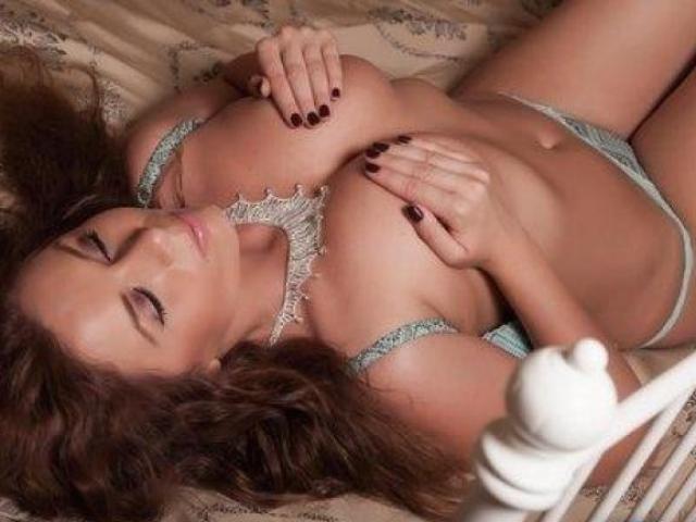 Photo de profil sexy du modèle NatashaDivineX, pour un live show webcam très hot !