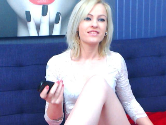 Zdjęcia profilu sexy modelki RaeMonay, dla bardzo pikantnego pokazu kamery na żywo!