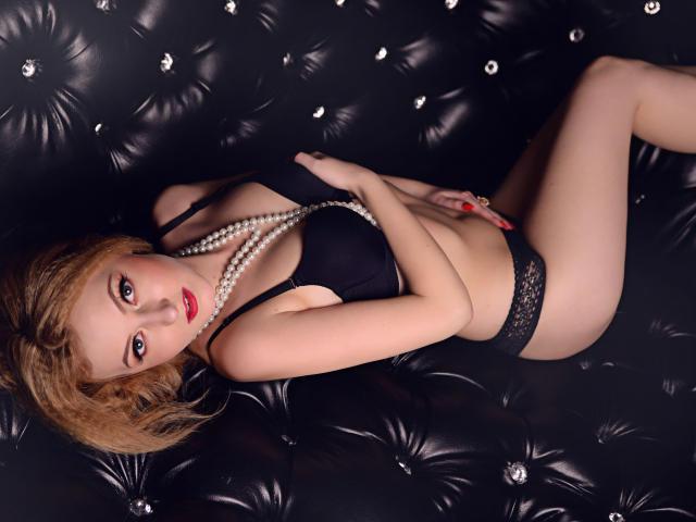 Foto de perfil sexy da modelo StarHannah, para um live show muito quente!