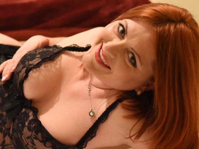 Picture of the sexy profile of Yollante, for a very hot webcam live show !