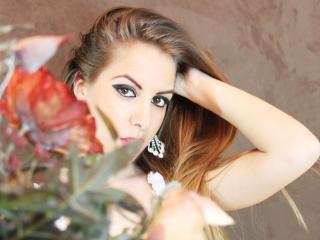 LannieHotX - Sexy live show with sex cam on XloveCam®