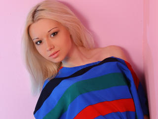 SweetDollV - Sexy live show with sex cam on XloveCam
