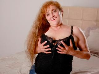 OnePrettyMilf - Sexy live show with sex cam on XloveCam
