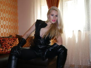 EnjoyMyHoles - Sexy live show with sex cam on XloveCam