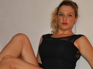 Solene - Sexy live show with sex cam on XloveCam