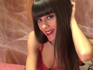 MadelineCute - Sexy live show with sex cam on XloveCam