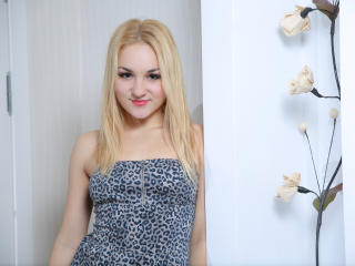 InocentFlower - Sexy live show with sex cam on XloveCam