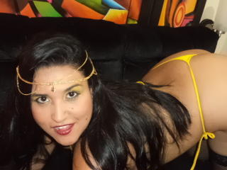 ErikaHorrny - Sexy live show with sex cam on XloveCam