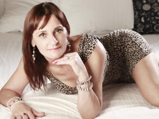 OneHotMilfBB - Sexy live show with sex cam on XloveCam
