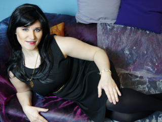 LuciaSUN - Sexy live show with sex cam on XloveCam
