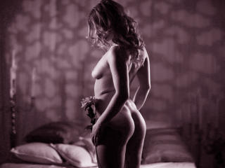 SensualSarrah - Sexy live show with sex cam on XloveCam