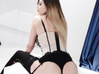MayaStar - Sexy live show with sex cam on XloveCam